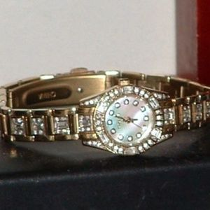 Elgin EG5010 Crystal Mother of Pearl Dress Watch